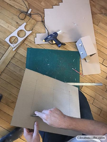 fabrication d'un coffre-fort en carton