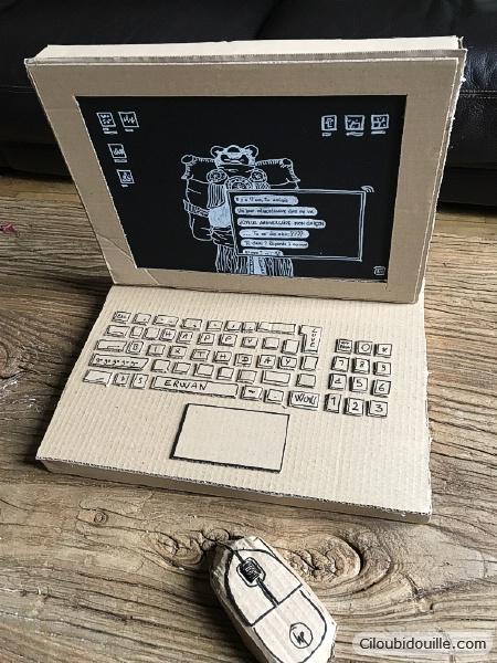 ordinateur en carton pinata