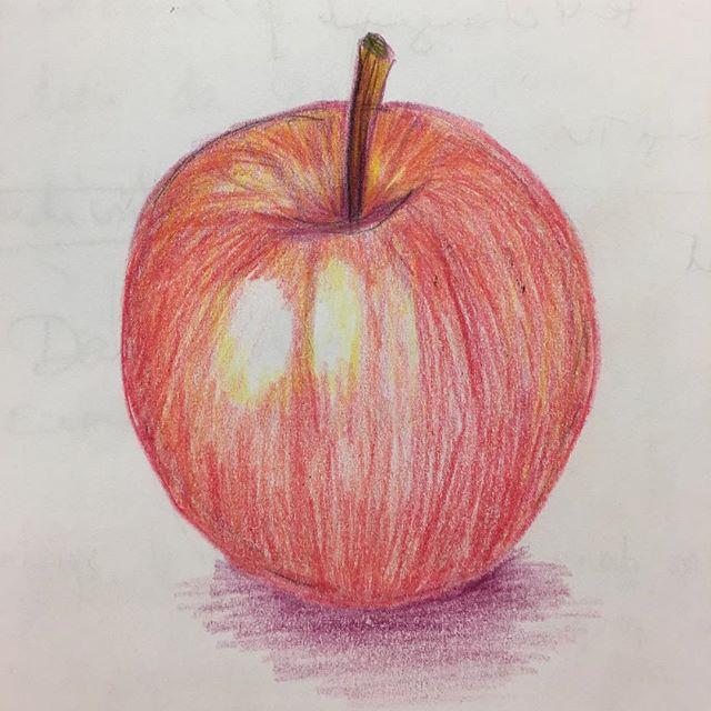 Une petite pomme en crayon de couleur pour la réunion du lundi :) #ciloubidouilledrawing #ciloudrawings #anappleaday