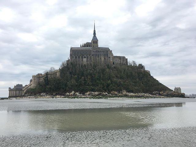 Promenade à marée basse autours du Mont-St-Michel