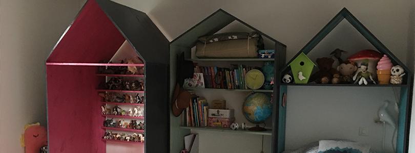 Chambre d'enfants avec des maisons en bois #2