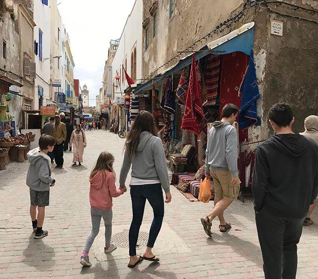 Dans les rues d'Essaouira #ciloubidouilleauMaroc #essaouira
