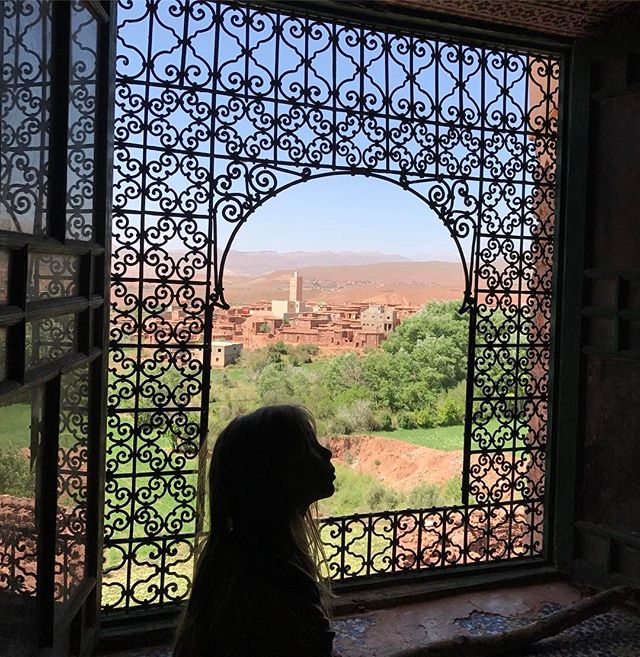 Vue sur le village et sa mosquée #telouet #kasbahglaoui #ciloubidouilleauMaroc