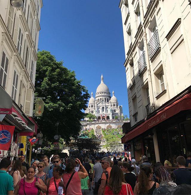 Beauté parisienne #buttemontmartre #montmartre #paris