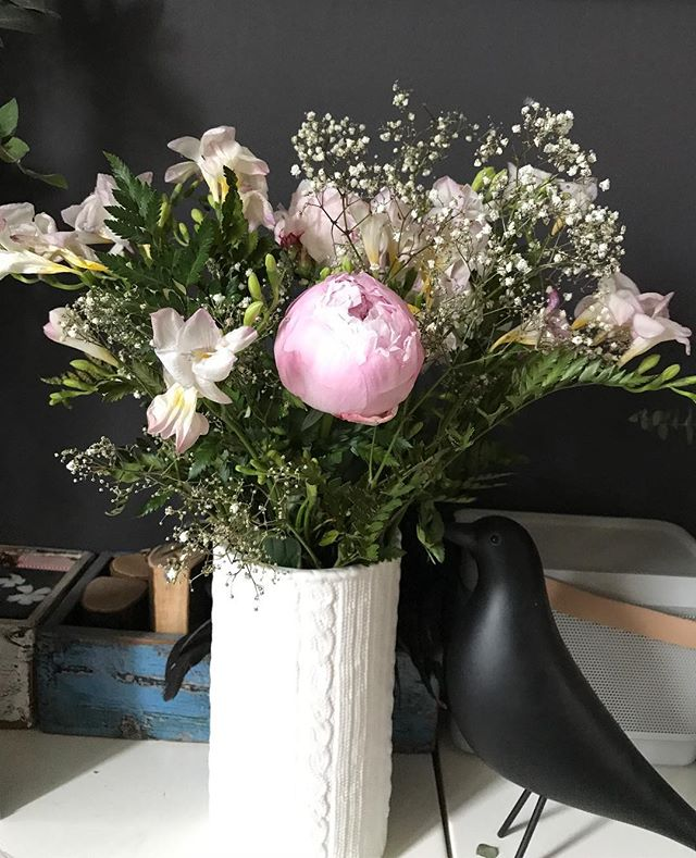 Les bouquets qu'on s'offre ont le charme de la bienveillance qu'on s'accorde.