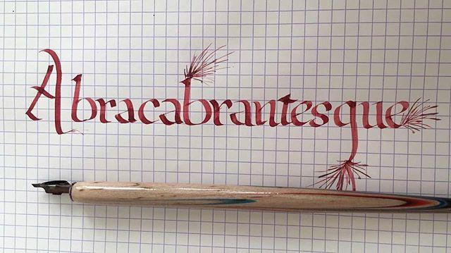 Pendant ce temps-là, Maëlle suit un stage de calligraphie (le cadeau d'annif de ses 15 ans). C'est joli non ? J'ai hâte qu'elle me montre comment faire !