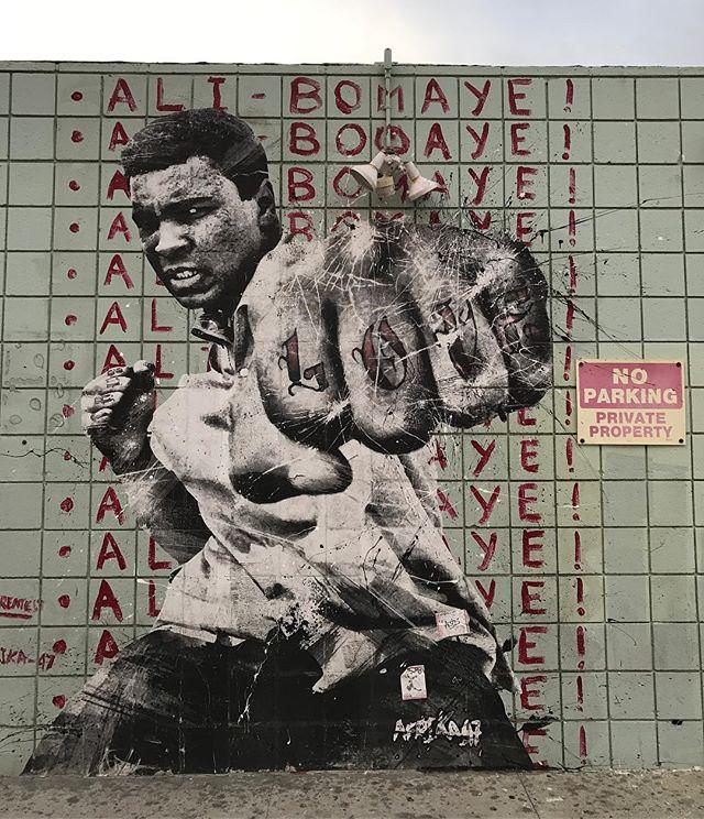 J'me tire dans un endroit ou j'serai pas l'suspect Après j'vais changer d'nom comme Cassius Klay... #paietesreferences #losangeles #venice #ciloubidouilleinUSA