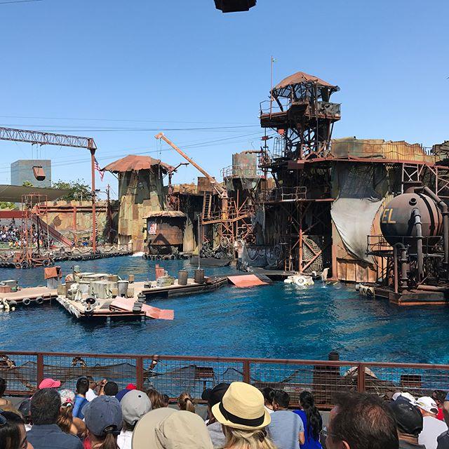 Waterworld, un spectacle à cascade #universalstudioshollywood #losangeles #ciloubidouilleinUSA