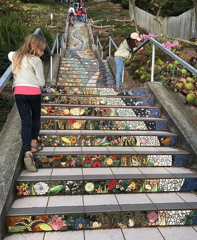Le joli escalier de mosaïque réalisé par les habitants du quartier #Tildesteps #sanfrancisco #ciloubidouilleinUSA