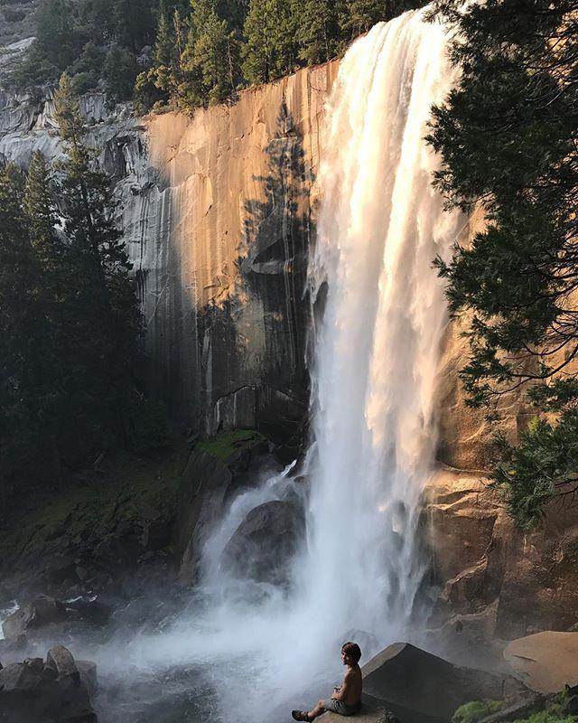 Celui aimait les points de vue #cascadeVernal #yosemite #yosemitepark #ciloubidouilleinUSA