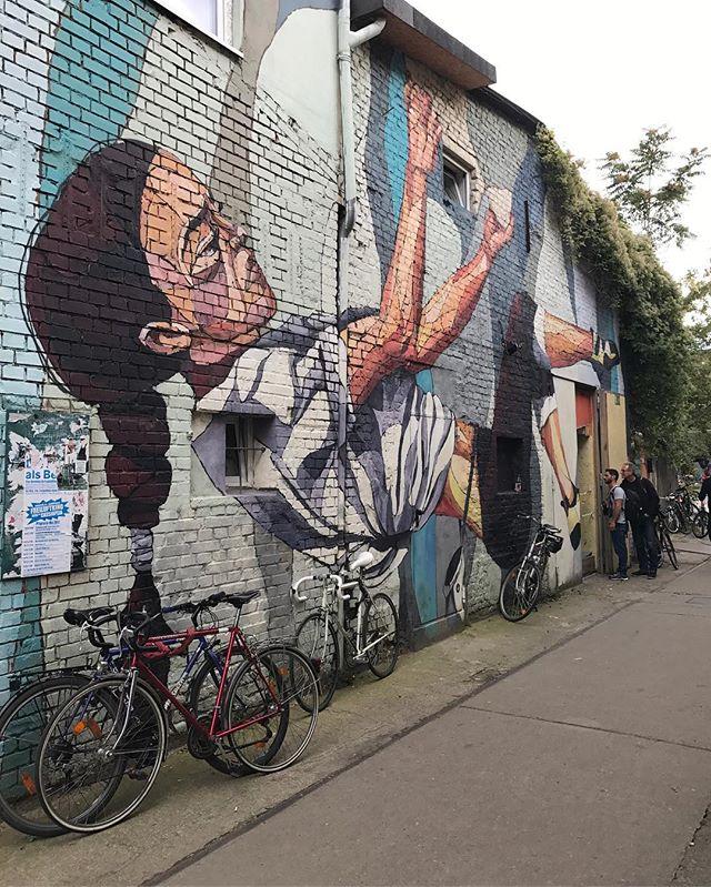 Super lieu que celui de Raw, avec du streetart de folie #ciloubidouilleinberlin #berlin