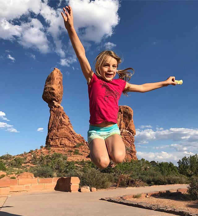Sur le blog, je vous raconte nos vacances aux USA. Monument valley, Arches, Antelope Canyon, grand canyon... il y a du waou en barre ! http://www.ciloubidouille.com/2017/10/04/californie-famille-monument-valley-oatman-rainbow-bassin-lake-powell-2/  #ciloubidouillesorties