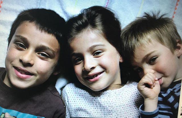"""Heu... que s'est-il passé pour que j'appelle désormais ces trois-là """"mes grands"""" ??? Erwan avait 10 ans, Maëlle 8 et Elouan 4... enfin, heureusement, certaines choses restent. Ils me font toujours autant craquer !"""