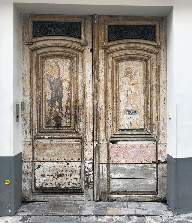 A Paris aussi on a de jolies portes #petitesjoies #paris #ruebeauregard