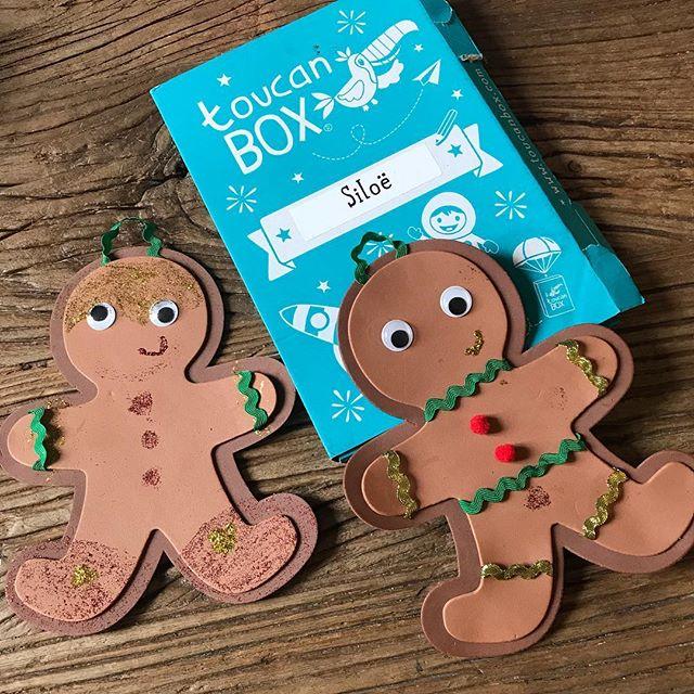 Ca fait deux fois qu'on teste les box créatives de @toucanboxfr. Le dernier coffret, spécial Noël, permettait de réaliser ces deux bonhommes de pain d'épice (en carton ^^). Si vous êtes tentés, vous pouvez utiliser le code promo Ciloubidouille qui permet à celui qui s'abonne de bénéficier d'un premier kit gratuit (hors frais de port - 1,49€). Le code est valable tout le temps mais si vous vous abonnez avant le 13 décembre, vous recevrez un kit édition limitée Noël.Pour info, je les recommande pour les moins de 10 ans. Siloë (7 ans) les adore. C'est parfait pour l'occuper une bonne heure + la satisfaction éternelle du Cémouaaakiléfé...
