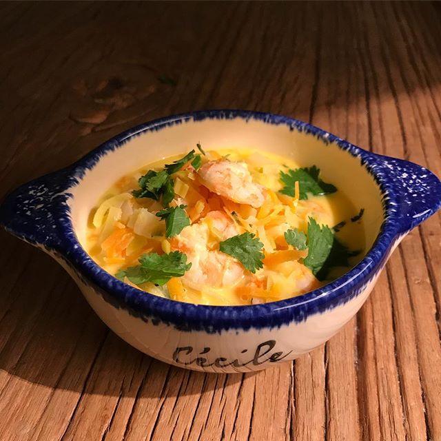 Hier, c'est Maëlle qui a cuisiné le plat @illico.fresco de la semaine ! Grosse régalade avec cette soupe de crevettes thaï ! (Si vous voulez que je vous parraine, envoyez-moi votre adresse mail en commentaire, vous et moi aurons 20€ de réduction sur nos futures commandes). #illicofresco #laphotodelasemaine