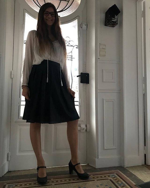 Heuuuu... Qui est cette fille qui part en soirée (et qui habite chez moi...) (et qui est totalement habillée par ma garde-robe-j'allais-te-le-demander-maman) ??? #mygirl #gloups #didimisssomething