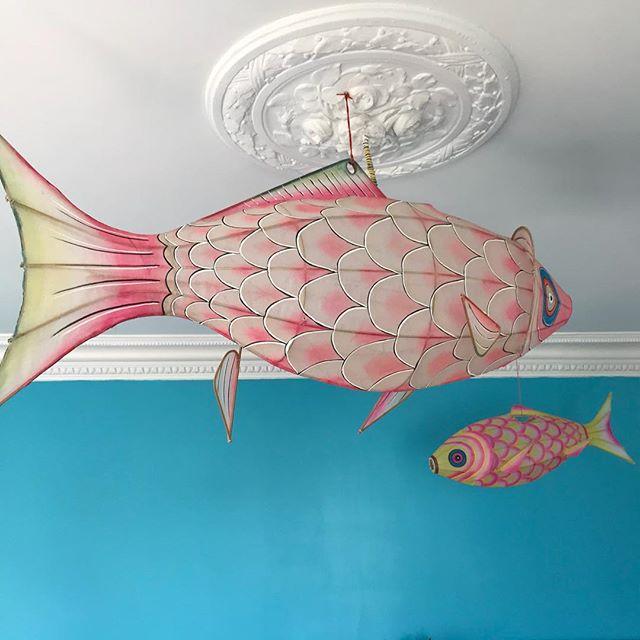 Il y a des poissons volants dans la chambre de Siloë !! #kidsroom #poissonvolant #chambreenfant #petitpan