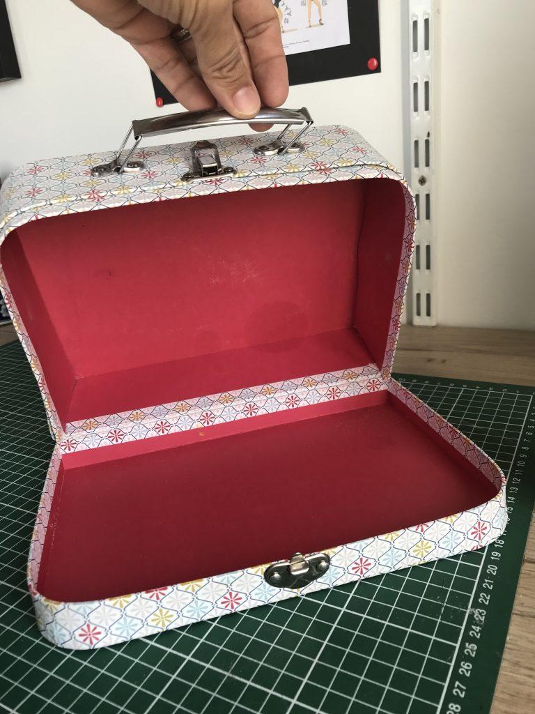 Maison de poupée - Valise ouverte