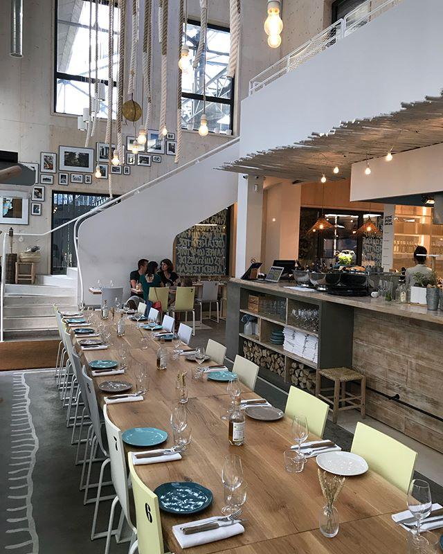 Super restaurant grec dans un coin improbable de Saint-Ouen. Il s'appelle @yayarestaurant et on a beaucoup aimé avé les copains :) !