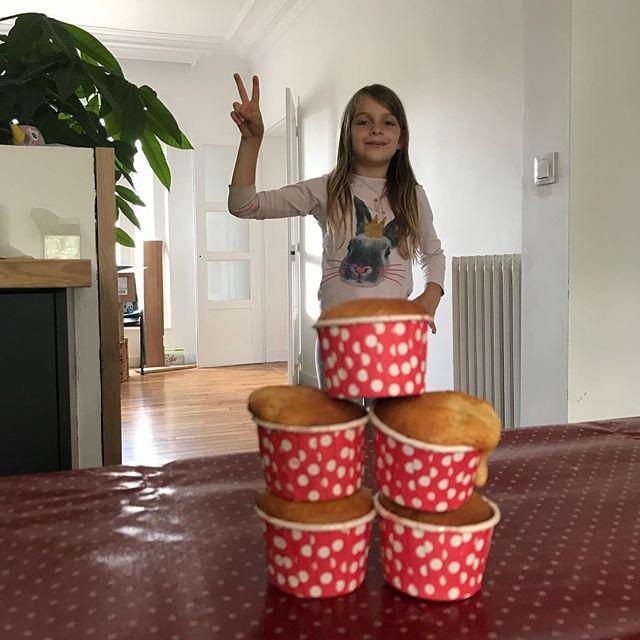Miss cupcake 2018 ! Elle nous a préparé le goûter :). #cupcakes #kidrecipes (le bordel derrière c'est cadeau)