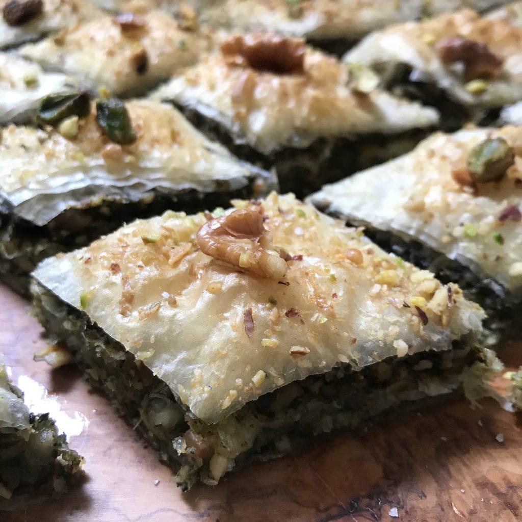 baklavas salés aux épinards et aux cacahuètes