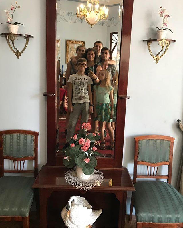 Dans la maison du célèbre architecte Konstantins Pekshens, chantre de l'art nouveau. On visite sa demeure qui était au top de la modernité de l'époque.