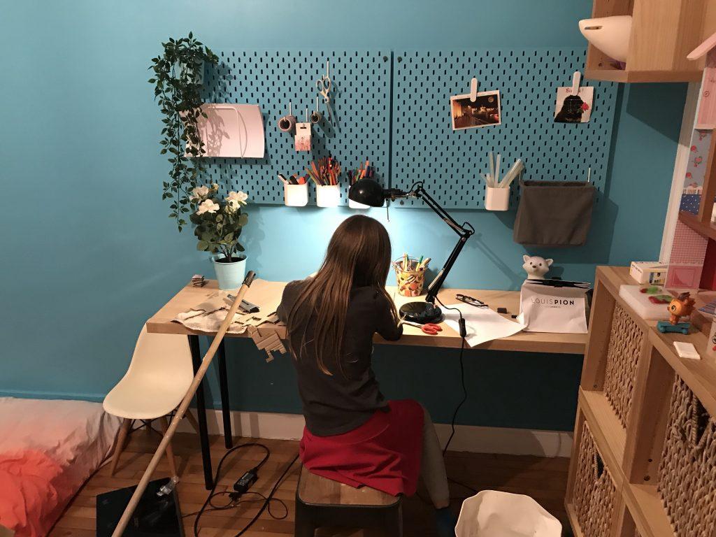 Chambre d'enfant créatif - bureau atelier