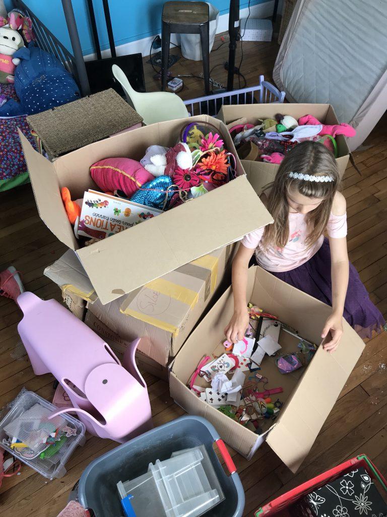 Chambre d'enfant créatif - tri des jouets