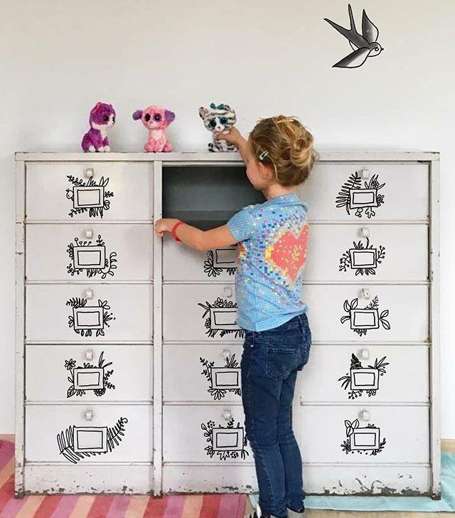 Une proposition pour garder ton meuble en l'état mais le transformer quand même @marjoliemaman :) #upcycledfurniture #dessinersurlesmurs #doodle #doodle_art