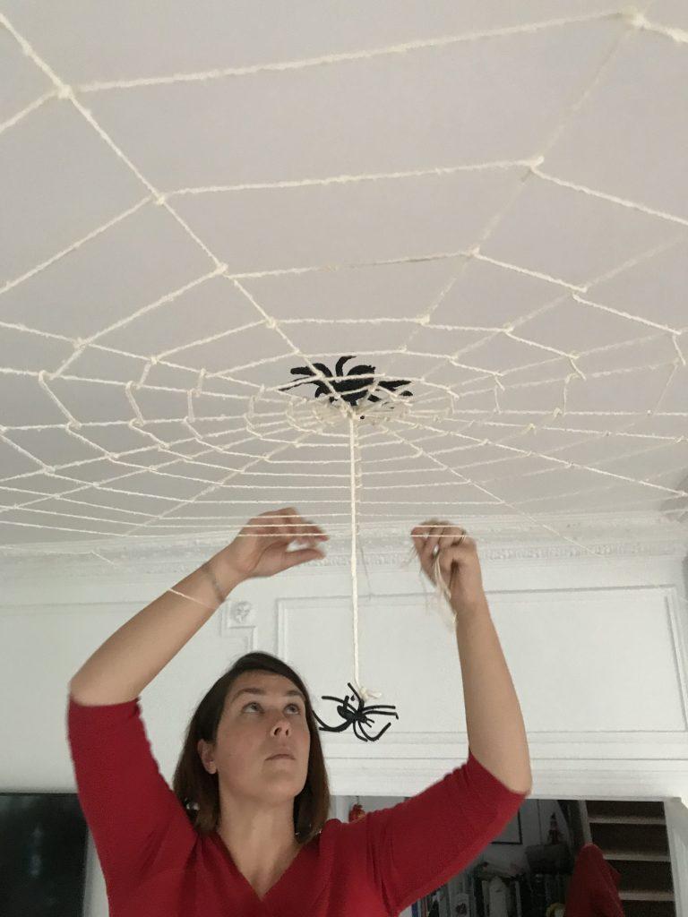 Décoration d'Halloween - toile d'araignée