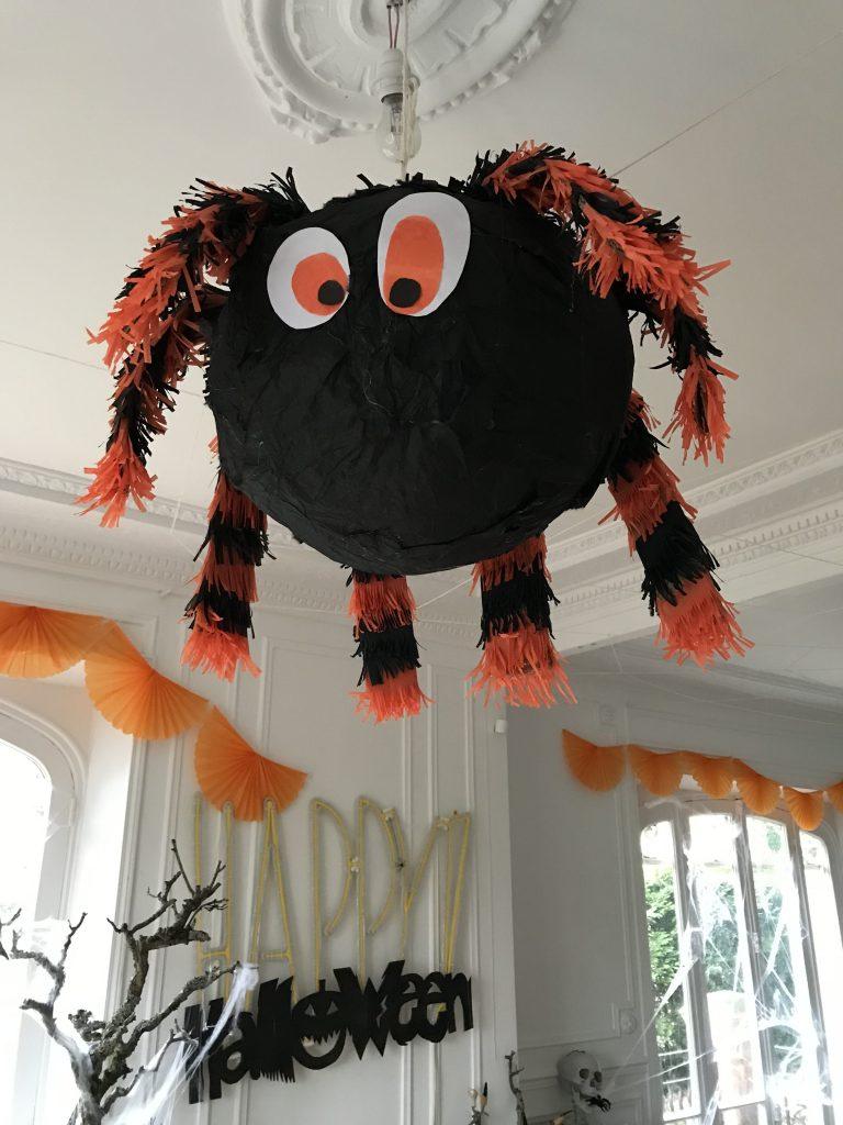Décoration d'Halloween - pinata araignée