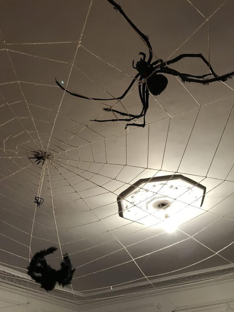 Décoration d'Halloween _Toile d'araignée