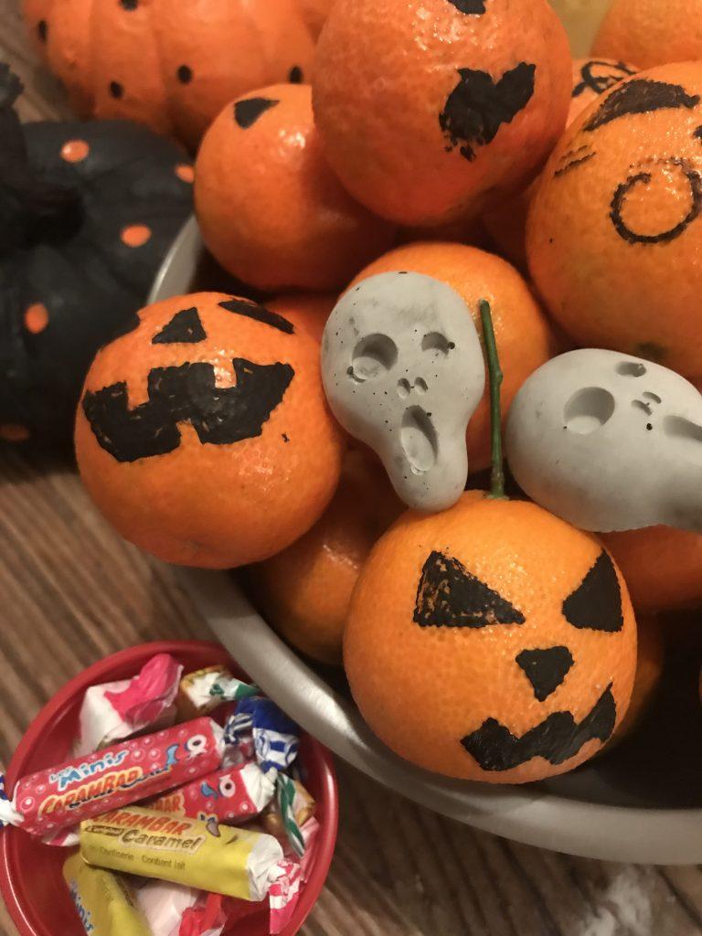 Décoration d'Halloween - orange décorée