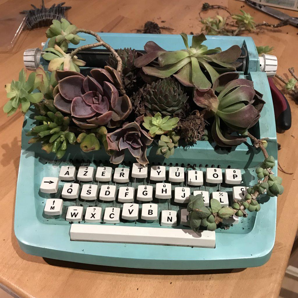 végétaliser une machine à écrire