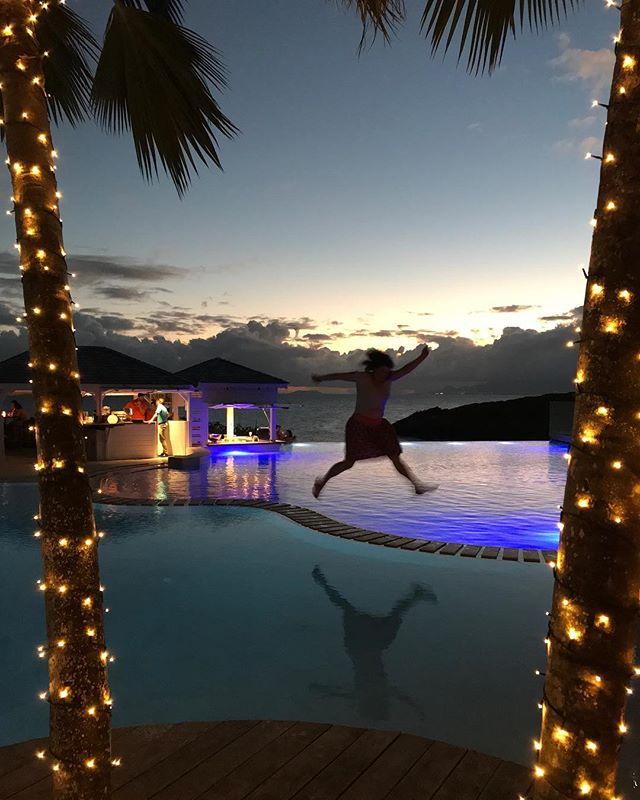 Petit cocktail dans cet hôtel assez fabuleux @latoubanahotelandspa #guadeloupe #aircaraibes