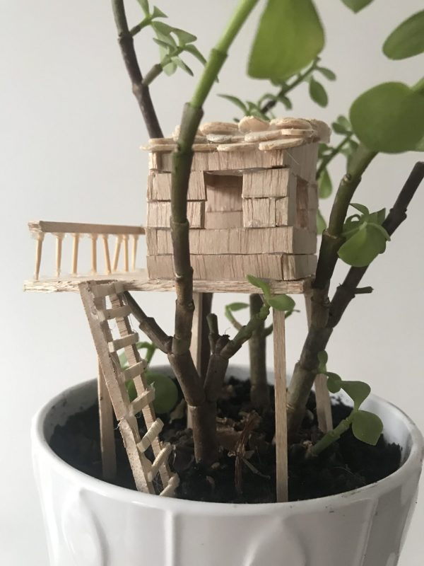 Atelier pour fabriquer des mini-cabanes dans les arbres