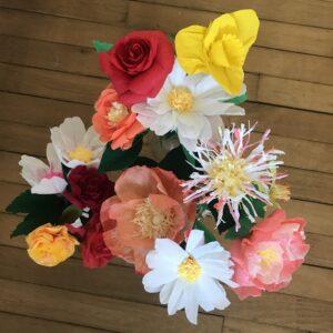 atelier pour apprendre à fabriquer des fleurs en papier crépon