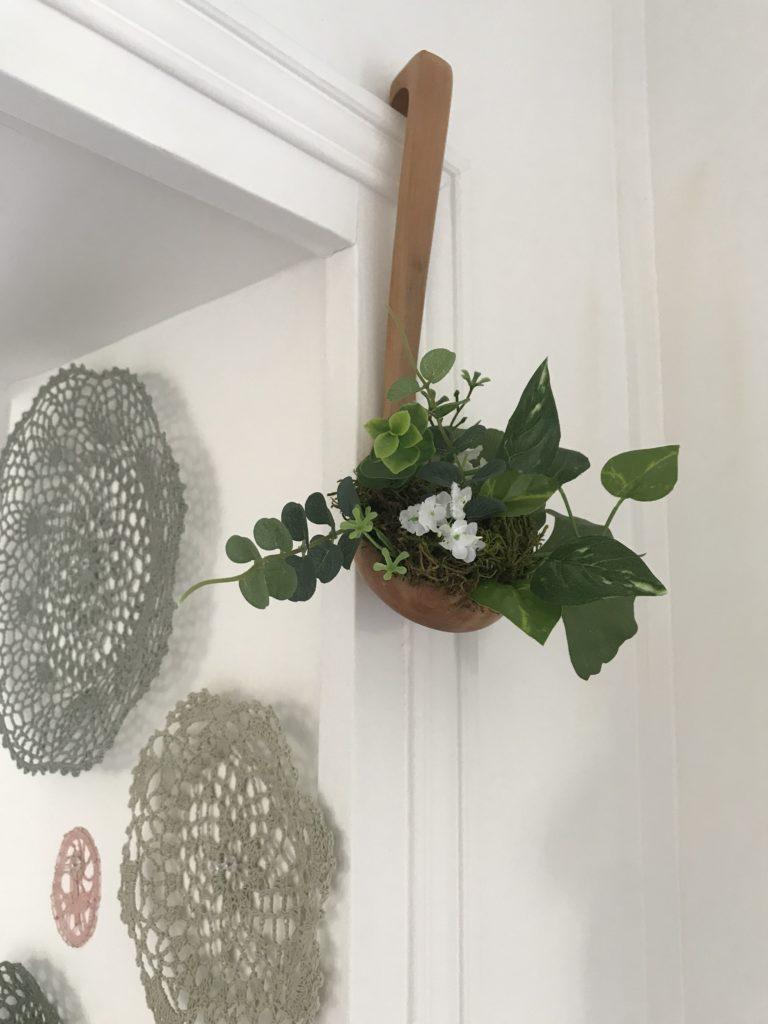 Ou Acheter De La Mousse Pour Piquer Des Fleurs recycler une louche pour décorer sa cuisine - ciloubidouille