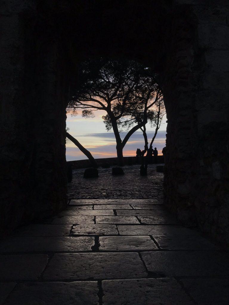 coucher de soleil au chateau saint george lisbonne