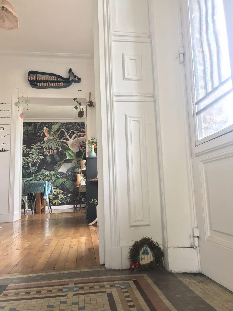 mini-porte de fée dans sa maison