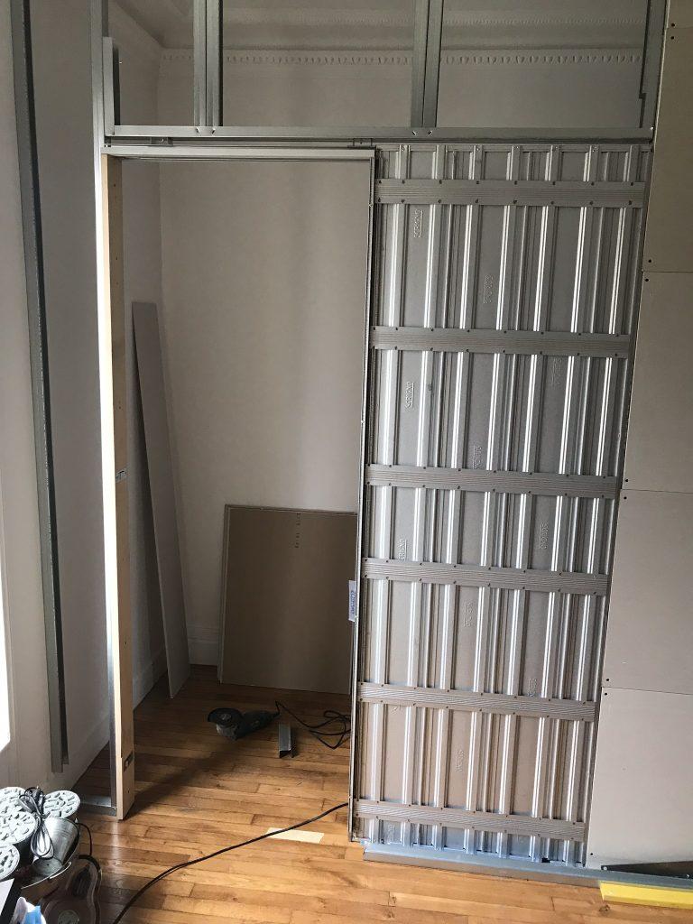 construction d'un dressing dans une chambre