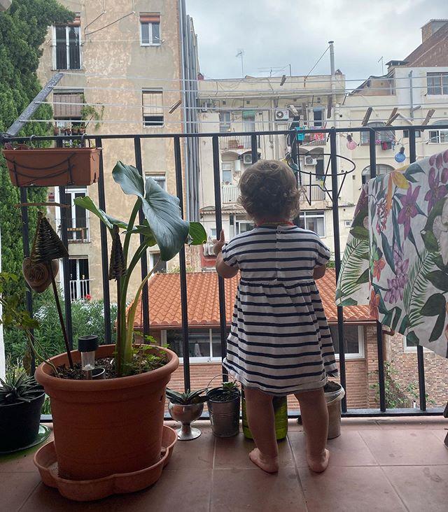 Bien arrivée à Barcelone ^^ ! C'est trop chouette d'aller chez ma petite soeur pour quelques jours. Dorlotter ma petite nièce fait partie de mes grands plaisirs de la vie :). Et participer à la grande aventure de @susurrobarcelona est également une de mes joies :) #ciloubidouilleabarcelone #barcelone