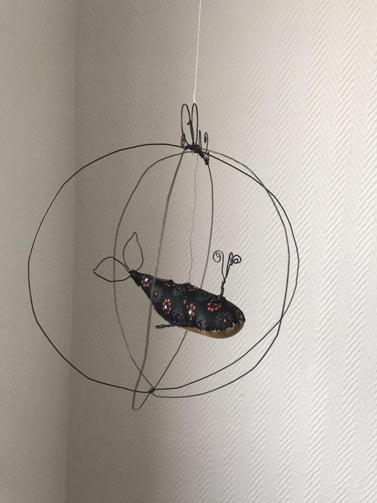ateliers créatifs originaux cage fil de fer et baleine en tissu