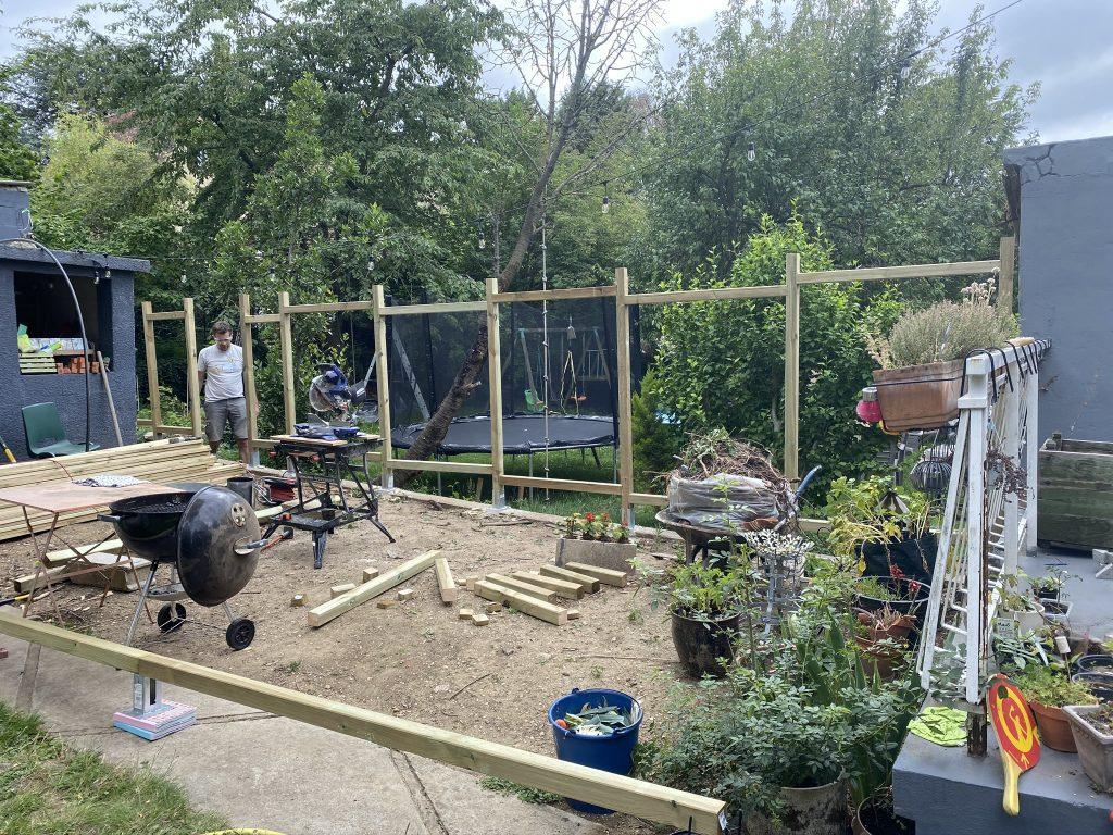 construire une palissade en bois