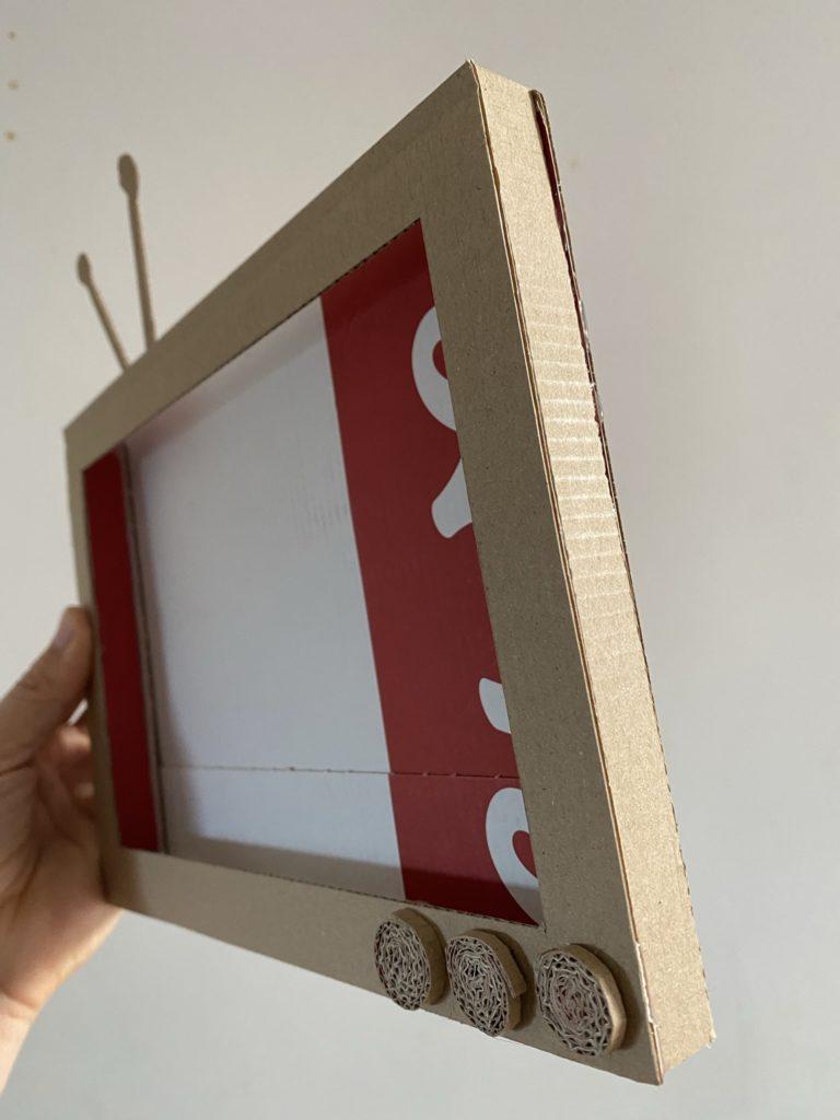 tuto télé en carton