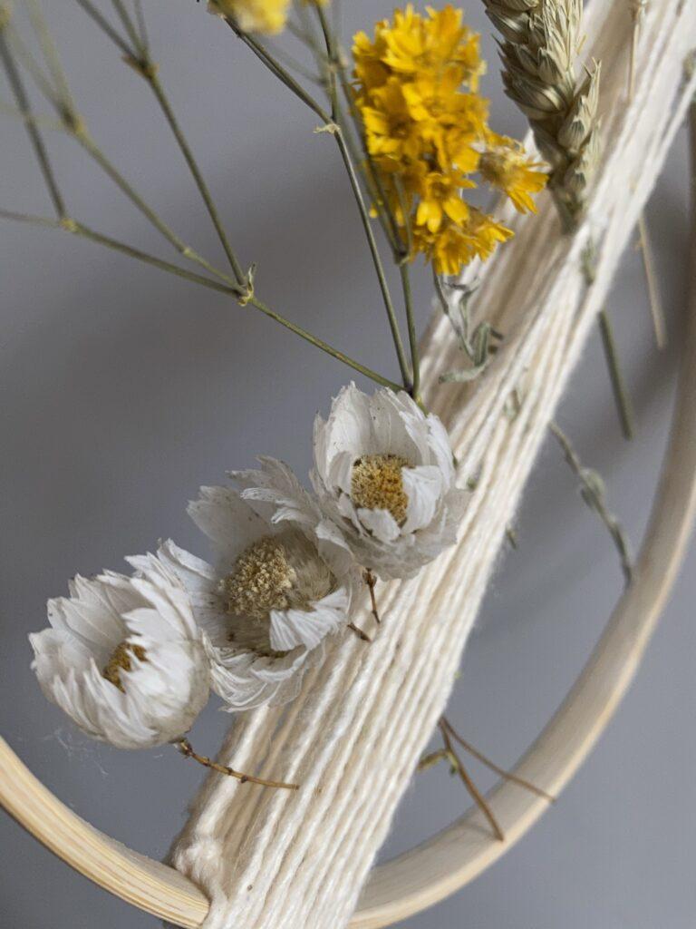 tuto facile cercle fleurs séchées ficelle