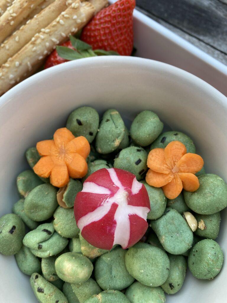 tailler une carotte en fleur