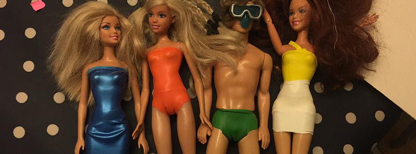 Faire des habits de poupée Barbie en ballon baudruche